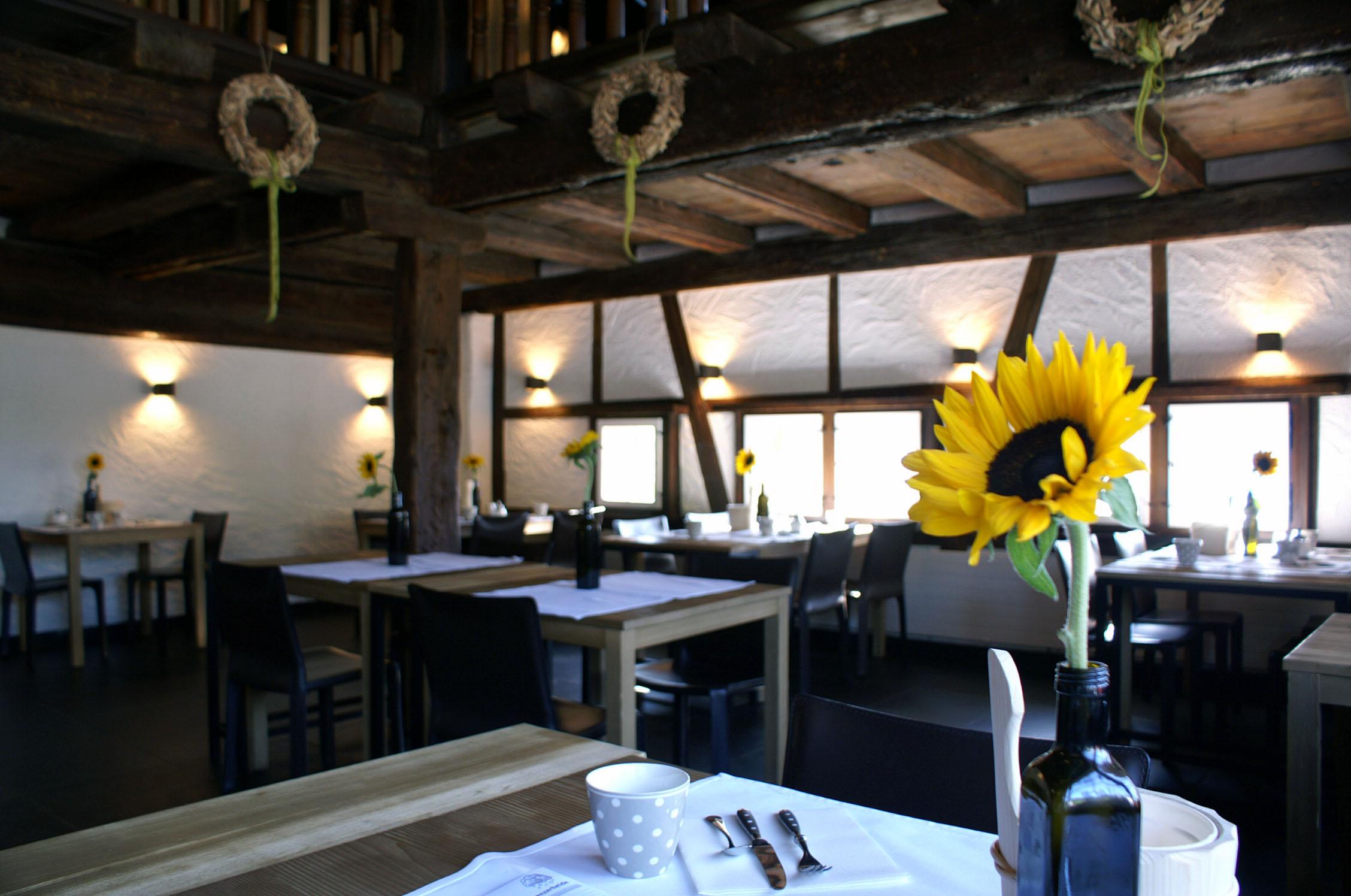Saal und Gallerie des Gourmet-Restaurant Guarda Val