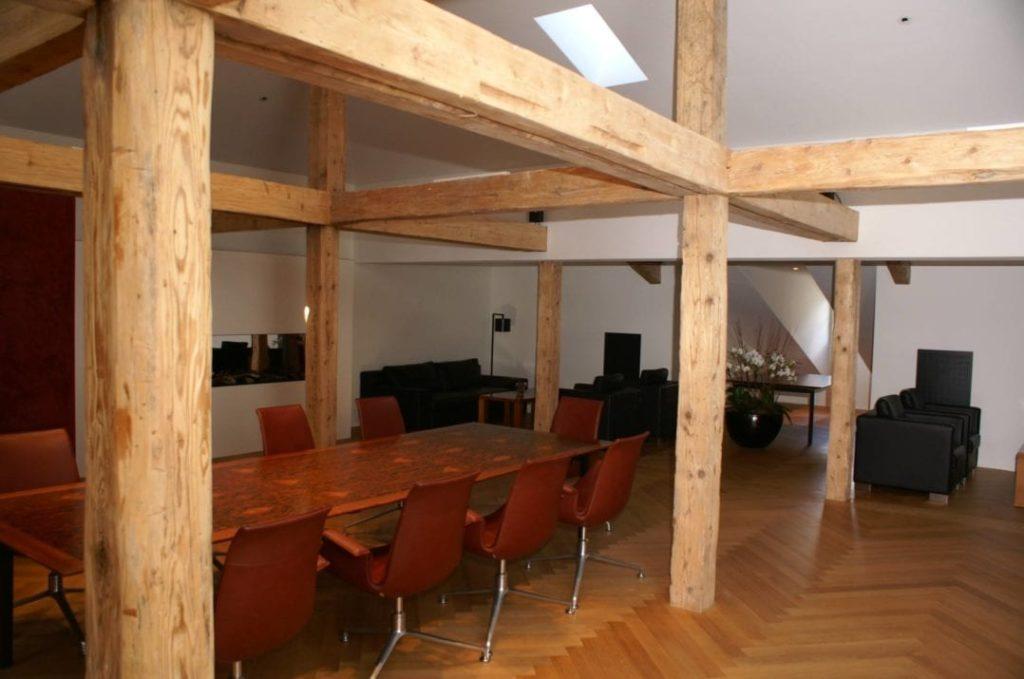 Stimmungsvolle Lounge im Business Center