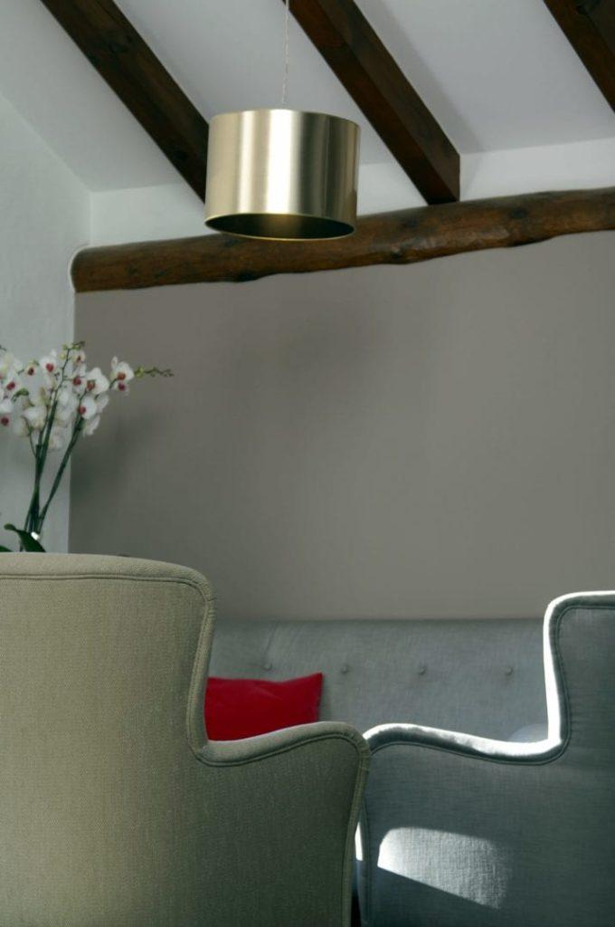 Fauteuils wàƒ¤hrend der winterlichen Abendsonne in der Lounge des Giardino Mountain Hotels