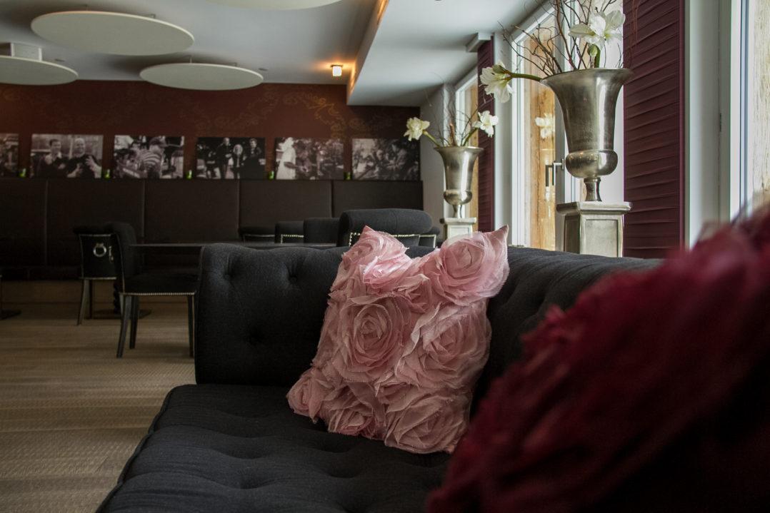 Lounge des Hotels Matthiol in Zermatt