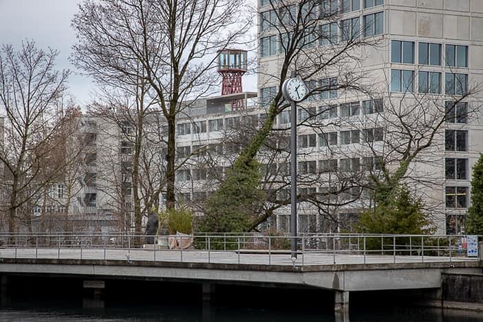 Flussbad oberer Letten: Uhr wartet auf den nächsten Sommer