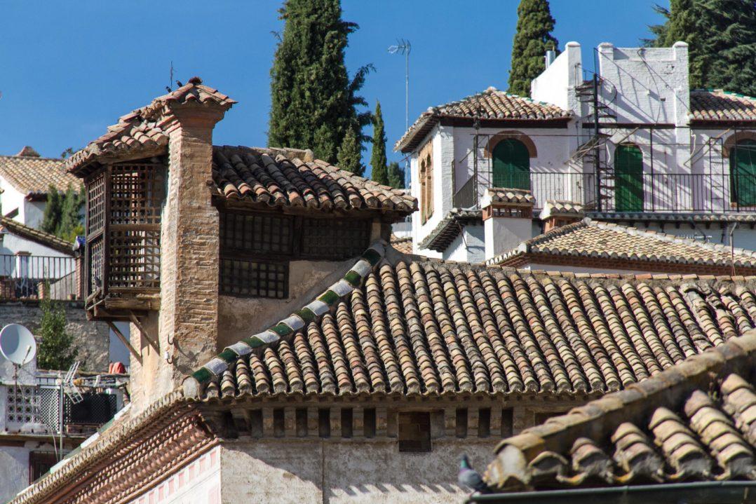 Ziegeldächer des Altstadtquartiers Albaicin