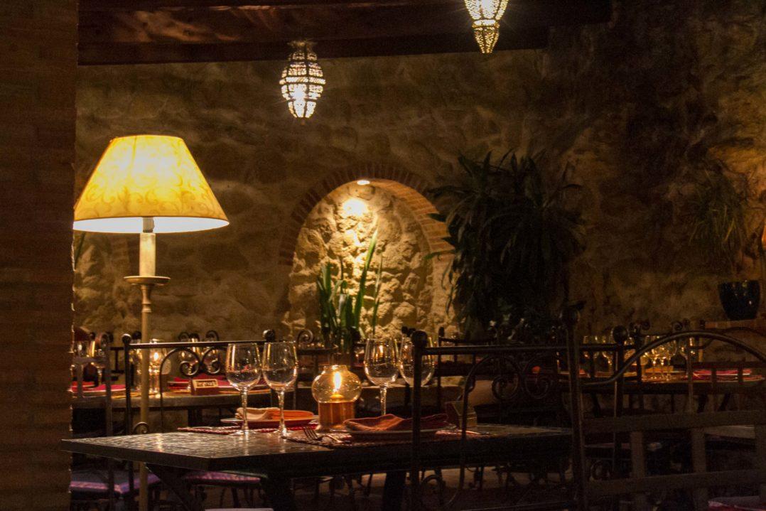 Garten des Restaurants El Jardin del Califa in Vejer de la Frontera