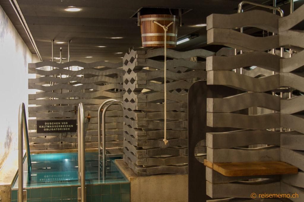 Kaltwasserbecken der Sauna im Volkshaus