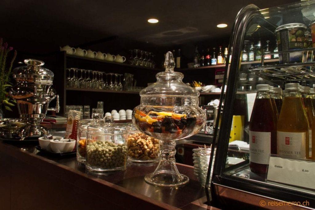 Snack-Bar im Ruheraum des Hammams Volkshaus
