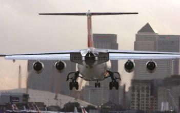 SWISS Avro in LCY London-City
