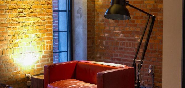 Sofa in der Gastwerk Lobby in Hamburg