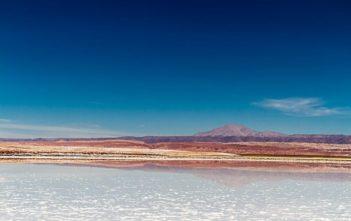 Salzsee in der Atacama Wüste