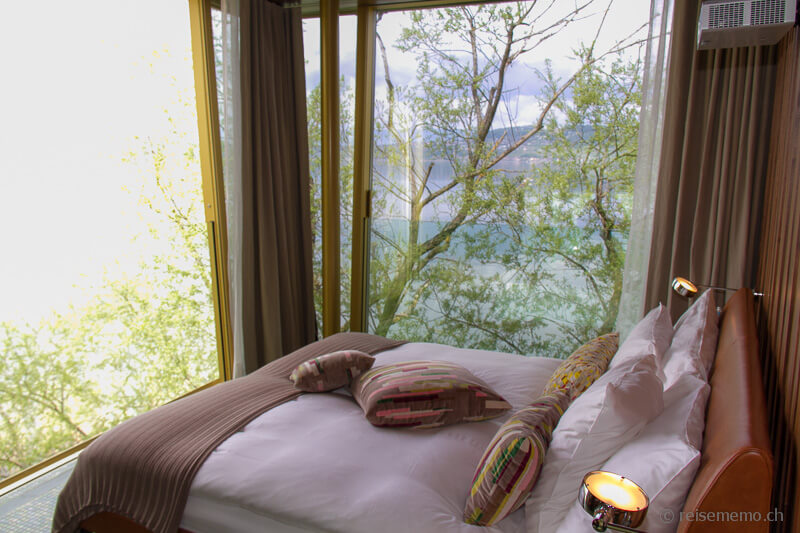 Bett im Glasdiamant Le Vieux Manoir Hotel Murten