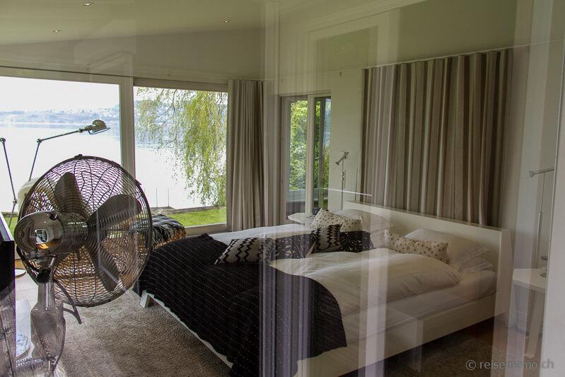 Schlafzimmer in der Gartenvilla Le Vieux Manoir Hotel Murten