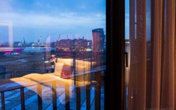 Hotelbett im 25hours Hafencity Hotel