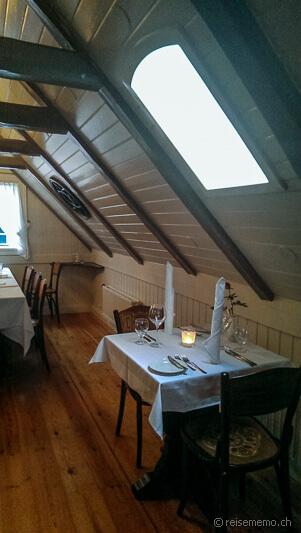 Upper floor of the restaurant Laekjarbrekka
