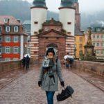 """Charlotte auf der """"Alten Brücke"""""""