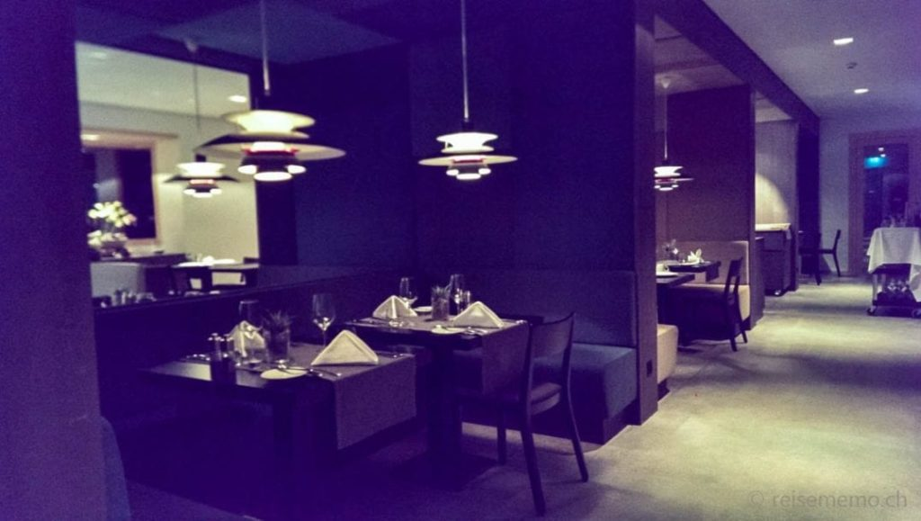 Restauranttische im Bestzeit Hotel in Parpan