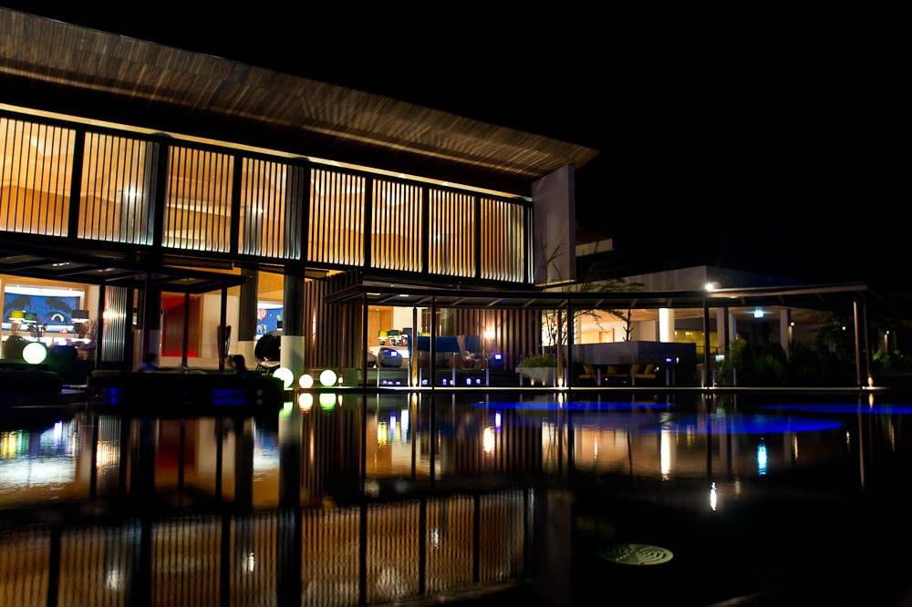W Retreat Hotel's lobby also looks really good at night