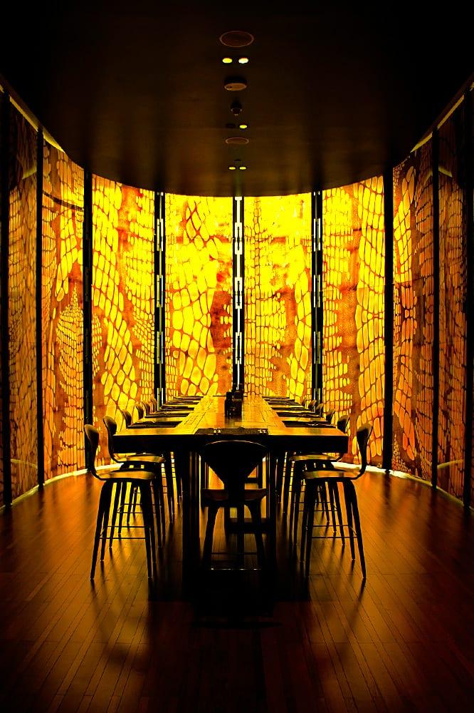 W Restaurant «Kitchen Table»