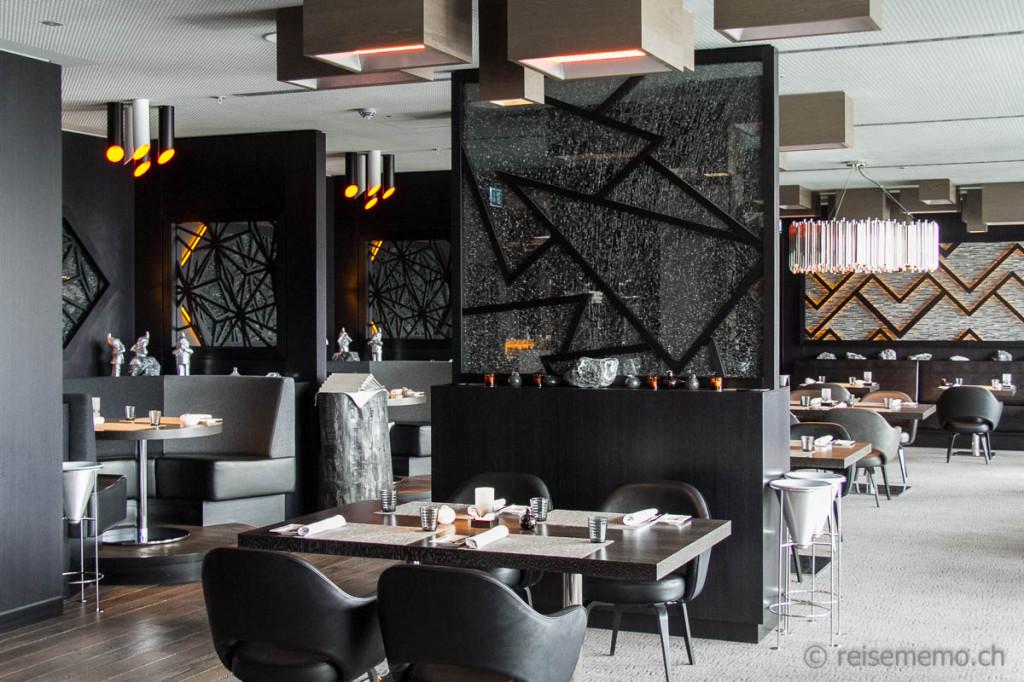 """Elegant """"Studio Grigio"""" hotel restaurant"""
