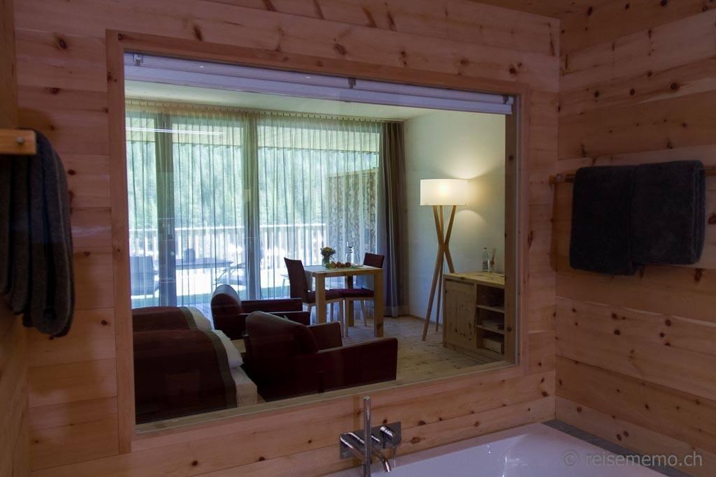 Badezimmer Terrassen-Suite In Lain Hotel Cadonau