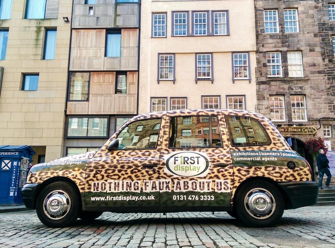 Taxi in Edinburg