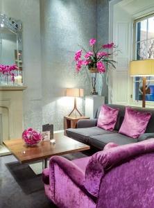 Tigerlilly-Edinburg-Sofa