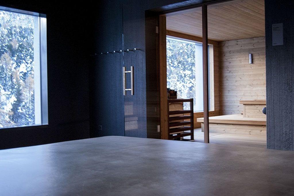 Eingang zur Sauna wellnessHostel Saas-Fee