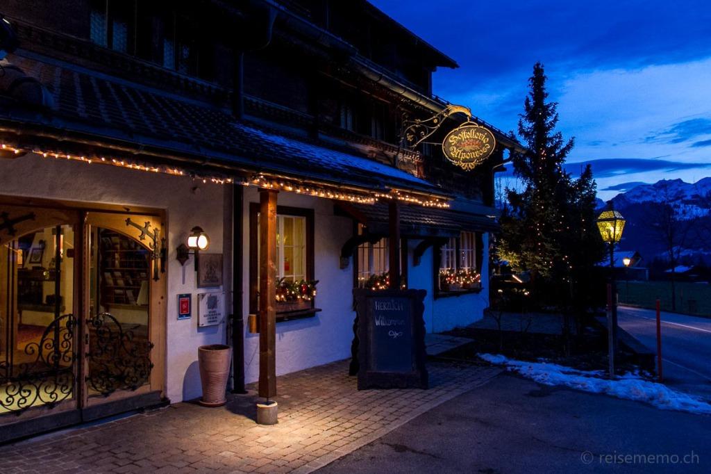 Eingang der Hostellerie Alpenrose in Schönried