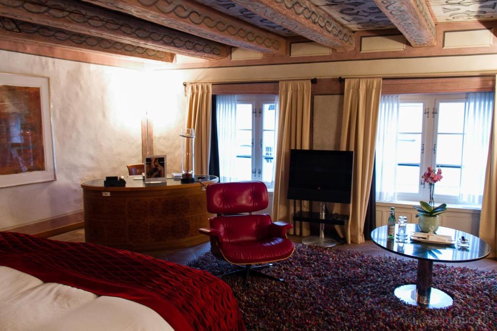 Sessel von Charles Eames im Hotelzimmer des Widder Hotels in Zürich