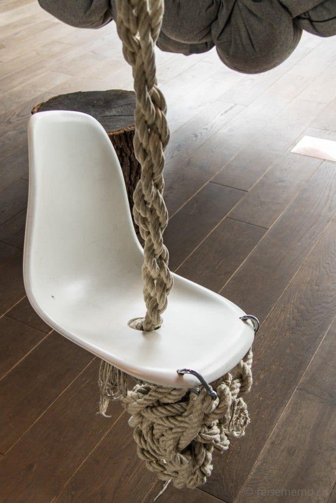 Ein etwas anderer Stuhl im 25hours Bikini Berlin