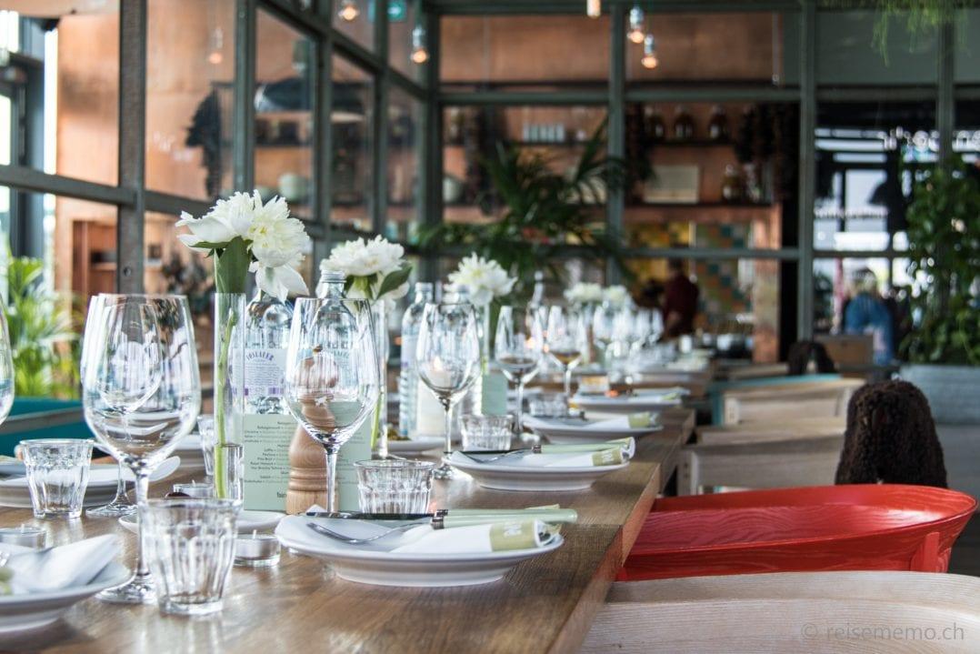Tischgedeck im Neni Restaurant
