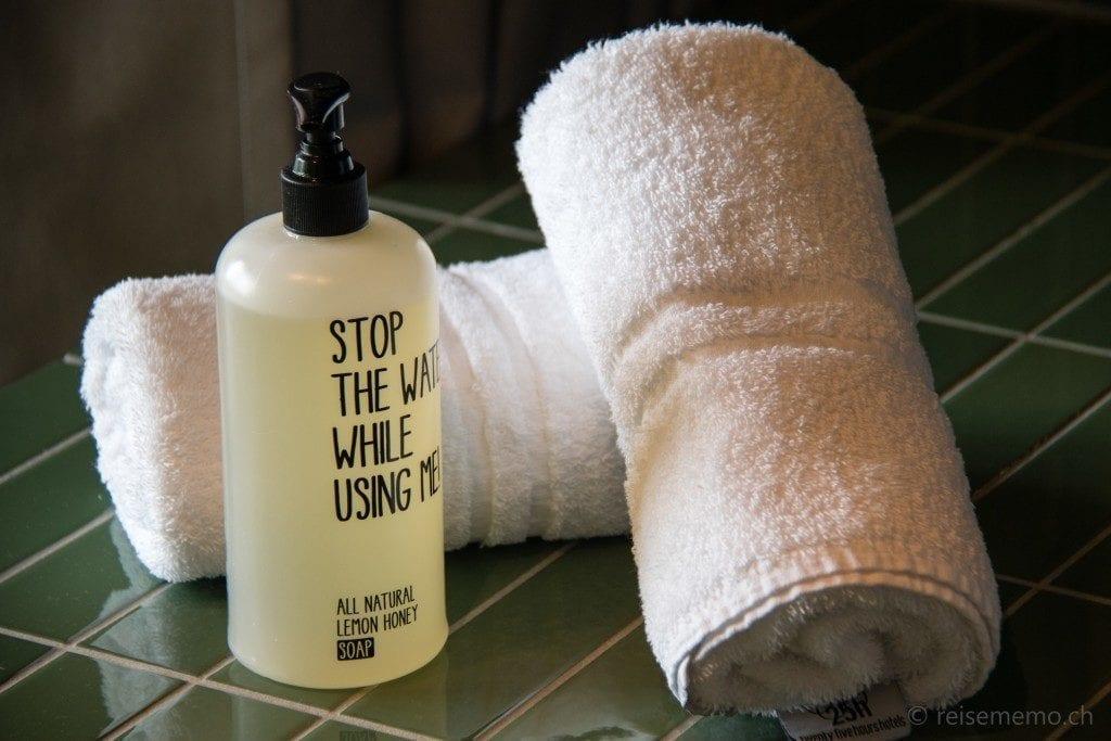 Waschlotion mit Aufforderung