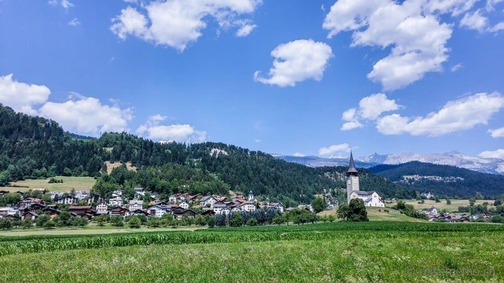 Idyllisches Bündner Dorf Sagogn