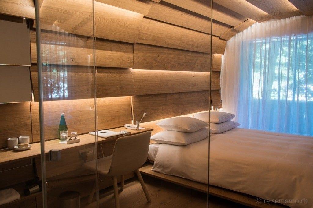 Hotel room by Kengo Kuma