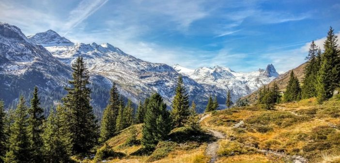 Panoramaweg in Richtung Zervreilahorn