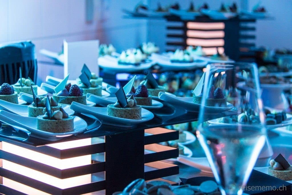 White Party Dessertbuffet