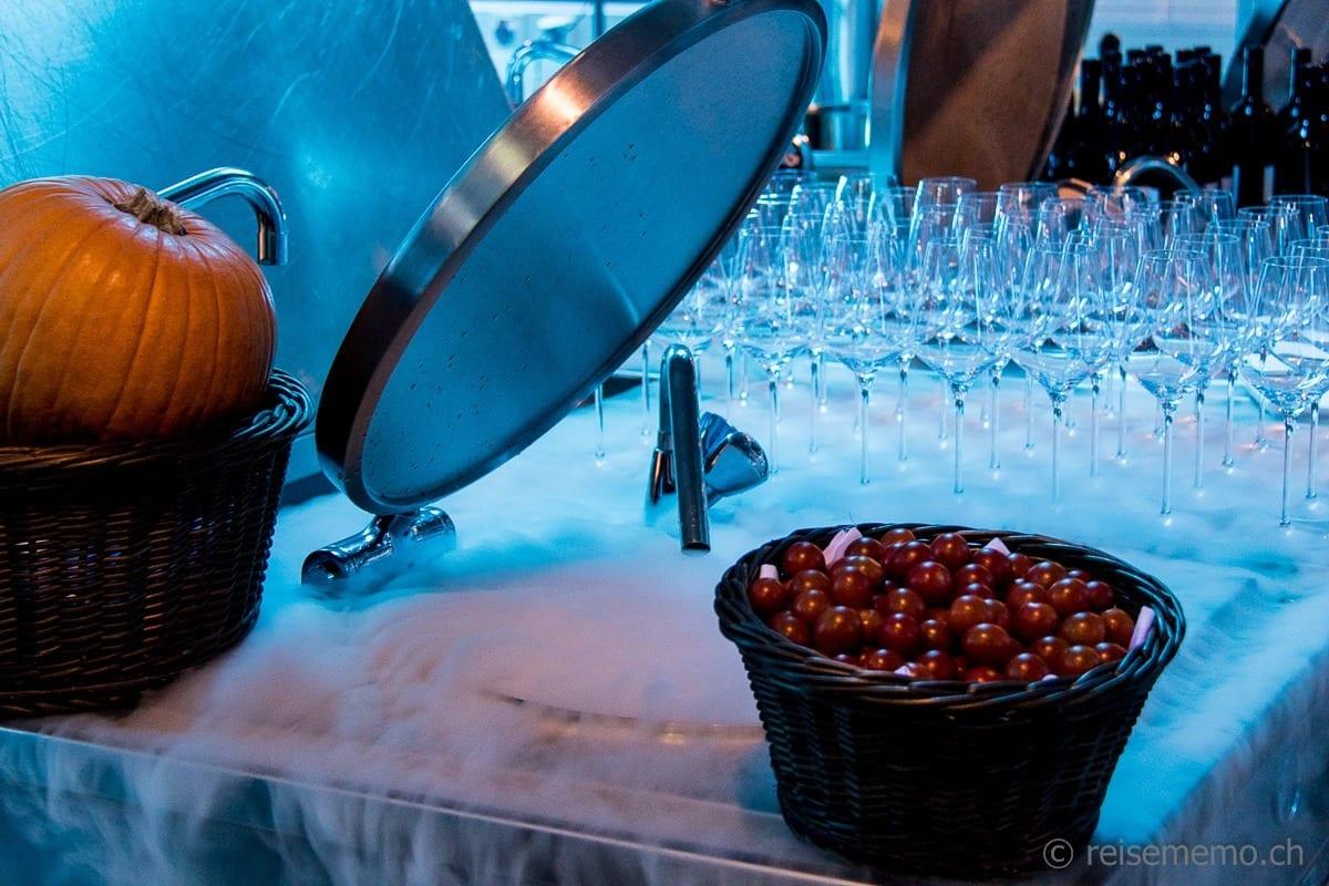 Kürbis und Cherrytomaten zum Trockeneis