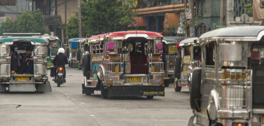 Jeepneys in Manila auf den Philippinen