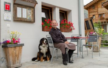 Rene Foster - Gastgeber im Sonnmatten Hotel und Restaurant in Zermatt-Winkelmatten