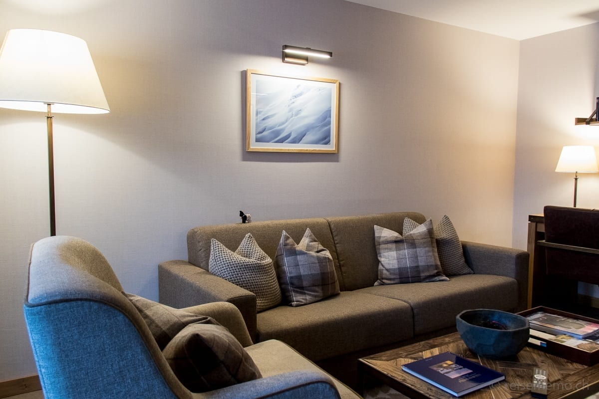 Wohnzimmer der Family-Suite im Capra Saas-Fee