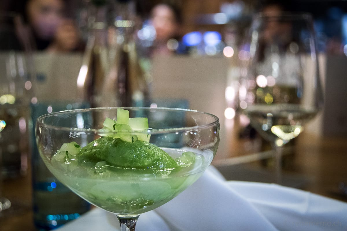 Gin-Tonic-Sorbet mit Hendricks-Gurken Topping