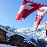 Schweizer und Walliser Fahne