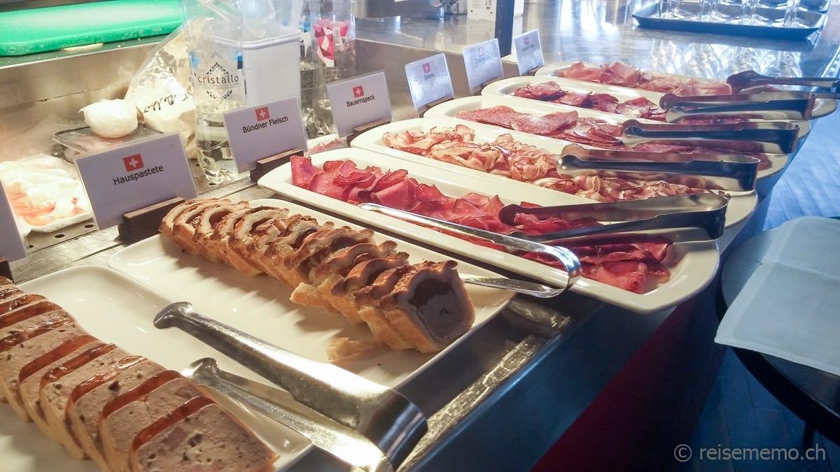 Pastete, Aufschnitt und mehr am Sonntagsbrunch im Restaurant PUR