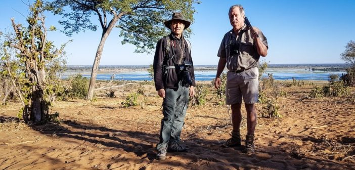 Walter auf Walking Safari mit Lodge Manager Peter