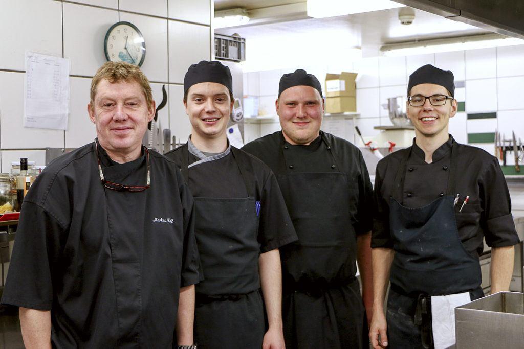 Chef Markus Neff und seine Küchenbrigade — Waldhotel Fletschhorn Saas Fee