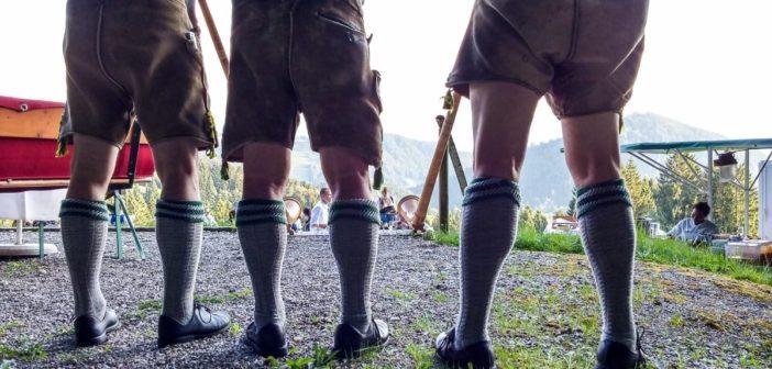 Lederhosen am Alphorn