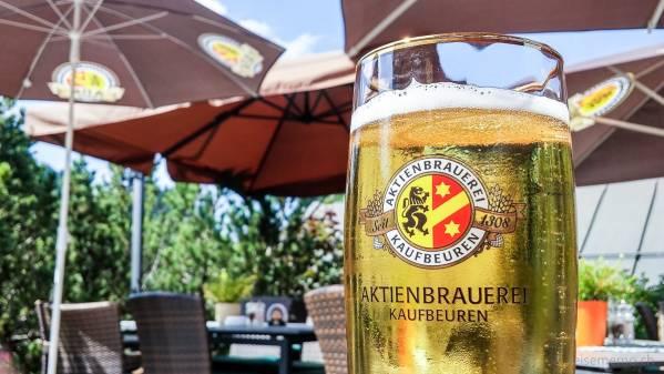 Kaufbeuren Bier im Clubhaus Oberstaufen-Steibis