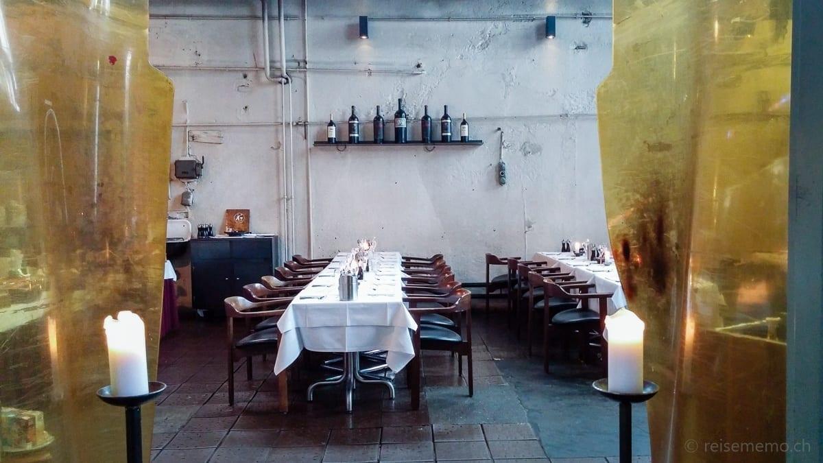Tische im Restaurant Giesserei Oerlikon