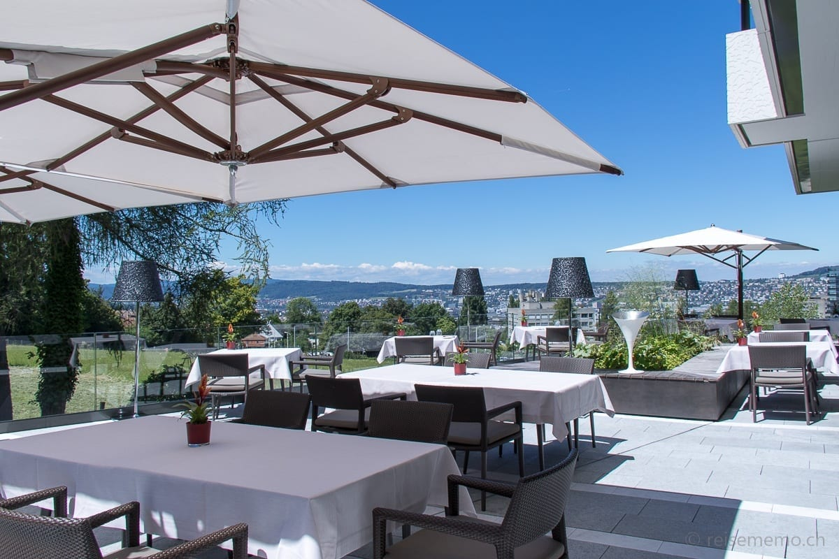 Ecco Restaurant rooftop terrace with view of Zurich