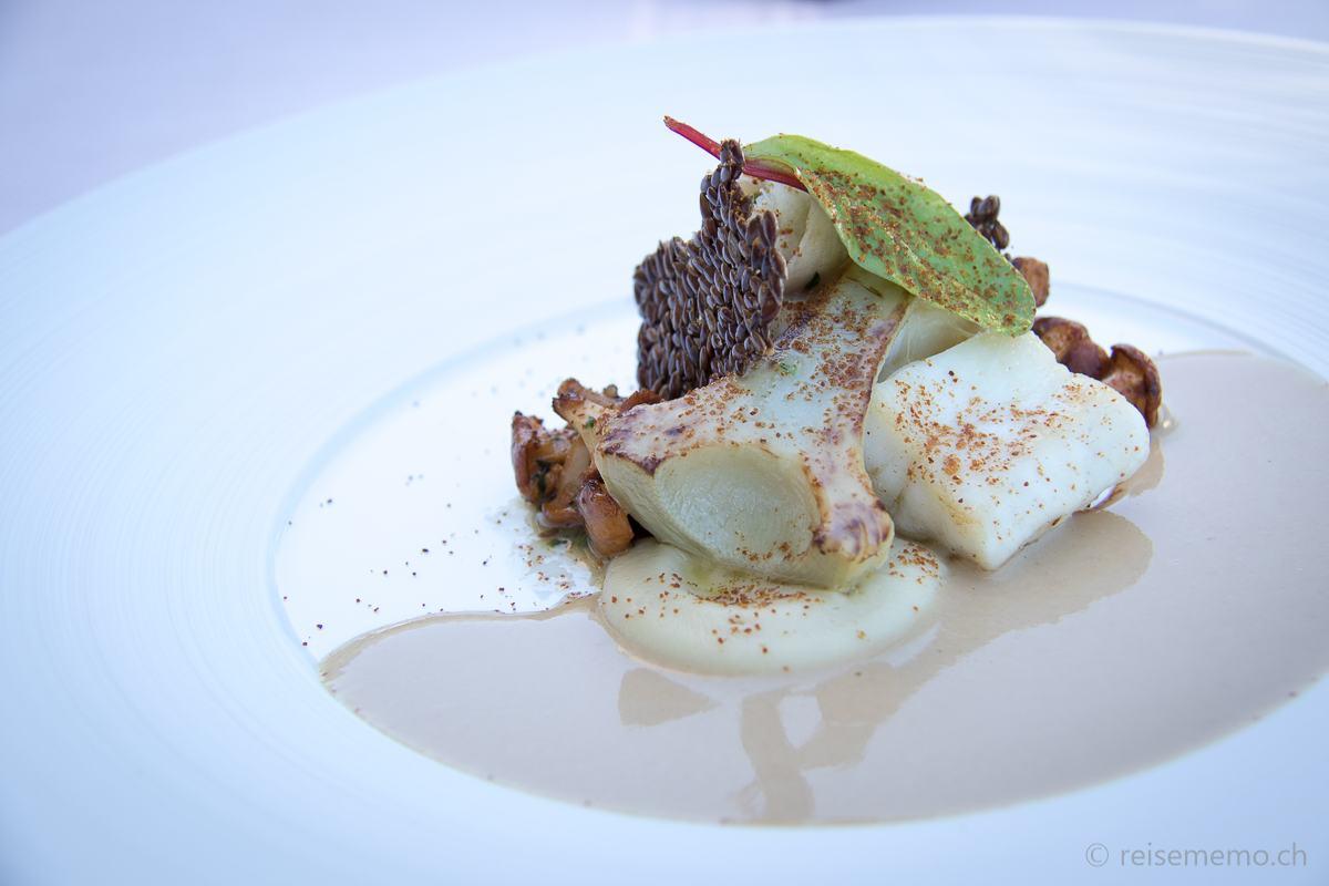 Ecco Restaurant Zürich: Atlantik Wolfsbarsch mit Artischocke und Pfifferling