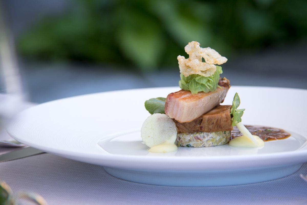 Ecco Restaurant Zürich: Ormalinger Schwein mit Spitzkohl und Apfel