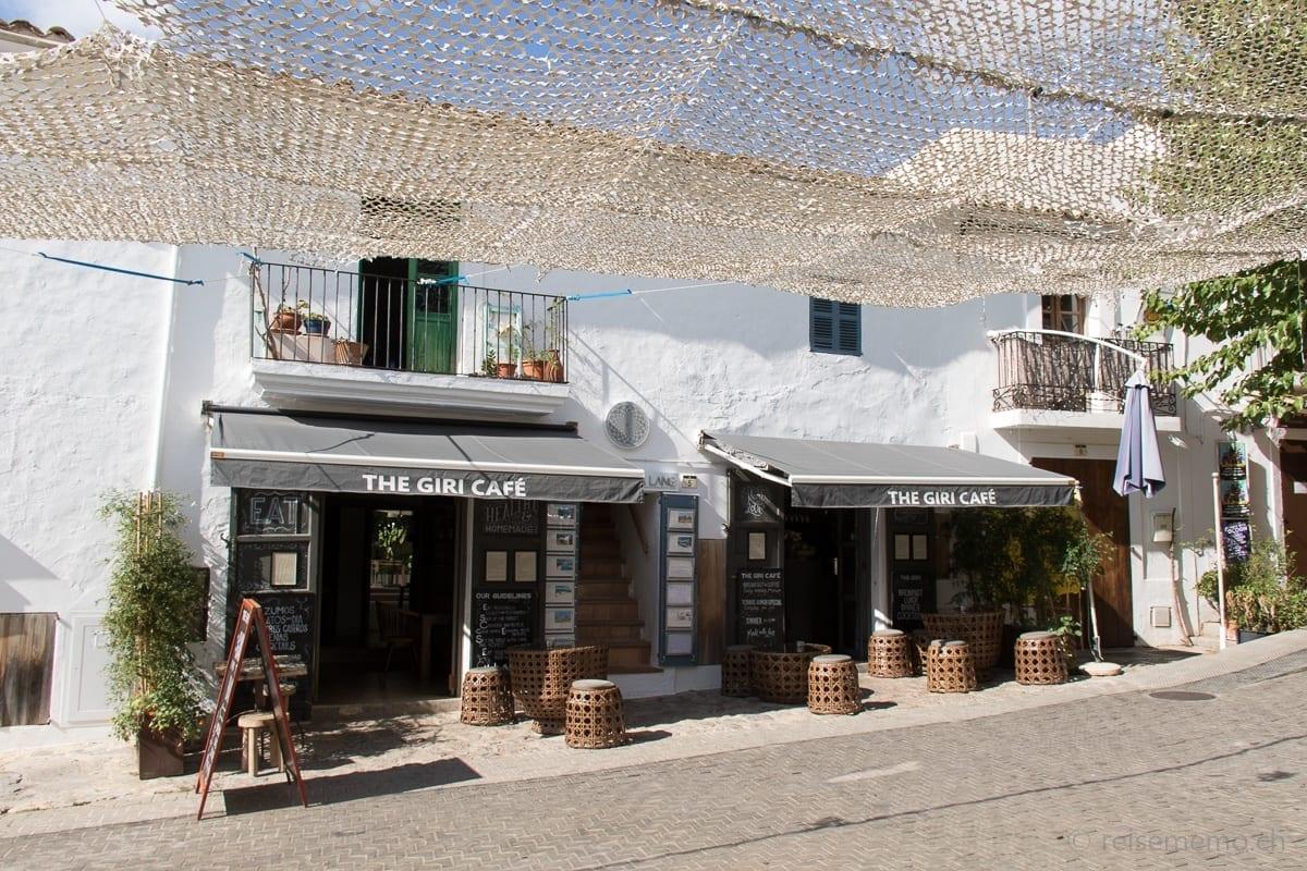 The Giri Café an der Plaza España